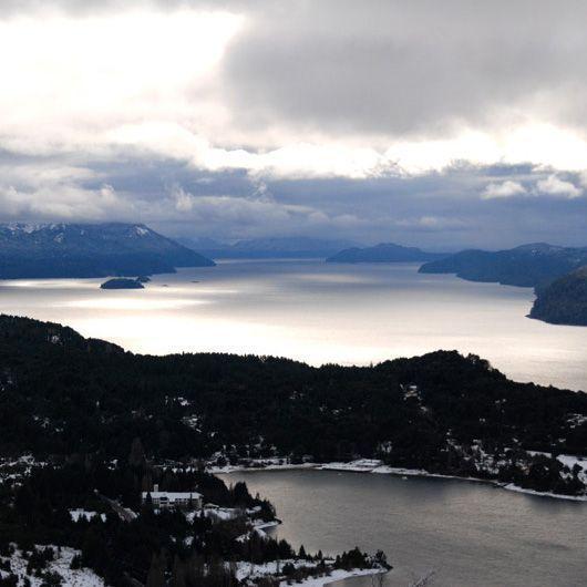 2007-09/avec-ses-nombreux-lacs-bariloche-ressemble-un-peu-a-la-suisse-261c40f9d897a371a3a8f8a5f094ae7f761a7efc.jpg