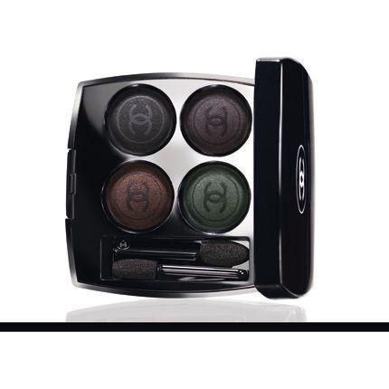 2009-10/quatuor-boutons-les-folies-noires-48-chanel-0528e2953828a1d34a7fb235ac0e18a84f324527.jpg