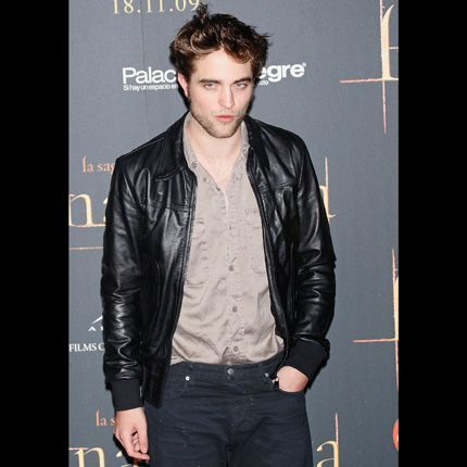 2010-01/robert-pattinson-940066602741c2579e3bcd1959c6163661c277b7.jpg
