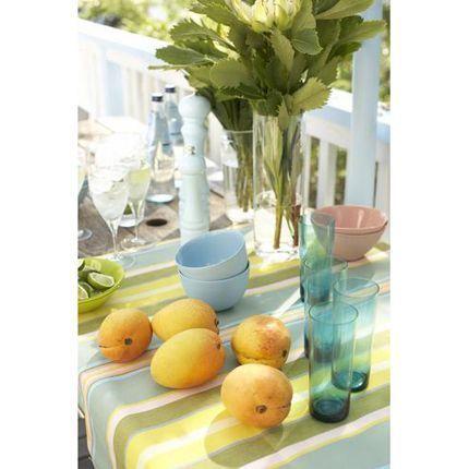 2010-07/avec-des-fruits-une-tablee-d-ete-a646b64783ae7e56530da7ebb48a07d29b8e5d63.jpg