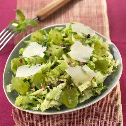 2010-08/octobre-salade-de-jeunes-courgettes-aux-pistaches-et-raisins-frais-d6755cdd1faa2d85677a5107f826642666b3d9c1.jpg