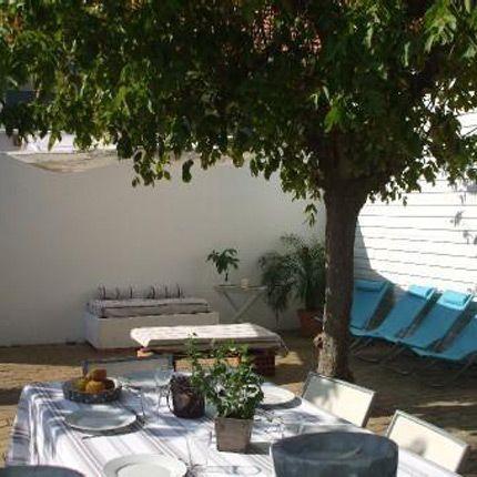 2011-04/terrasse-de-la-baine-e7a0923cf75b2081b1118d9414b15ccab21ffaf4.jpg