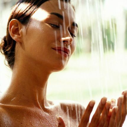 2011-07/parfum-de-vacances-sous-la-douche-00b3db46a3a990524df4f88ca57d31d85bf76862.jpg
