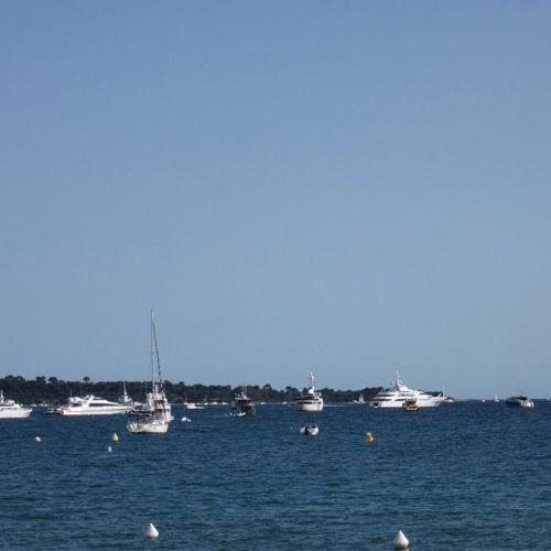 2012-05/cannes-repere-des-yachts-et-autres-bateaux-de-luxe-e87d6918bbe400a65ef7e61c7904b98d4fd90f84.jpg