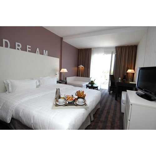 2012-05/chambre-standing-de-l-hotel-atalante-7bd7a4c1d65ecceda6bf40564b881384d9d8b450.jpg