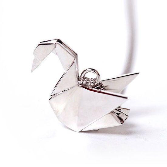 2013-11/sautoir-cygne-origami-jewellery-805a32614e151c18d7083c23633f313e220faa2e.jpg
