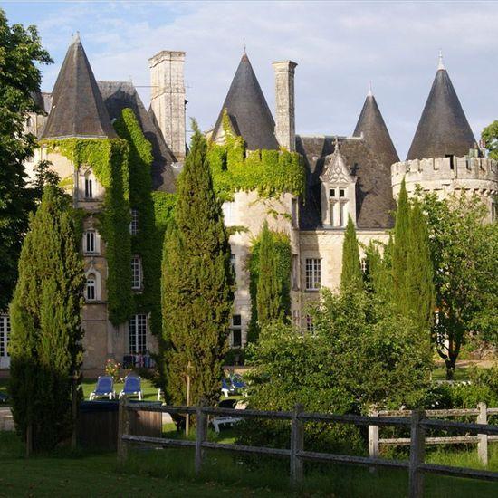 2016-05/chateau-des-sept-tours-4a12fd9cab126609e8f31da301eb8d926cfa8f39.jpg