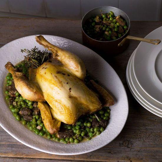 2016-07/poulet-roti-aux-herbes-petits-pois-et-morilles-8ec17d198b2e32d15fa876a1926361e4954dca95.jpg