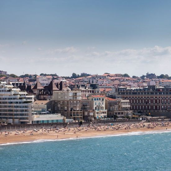 2019-07/grande-plage-biarritz-istock.jpg