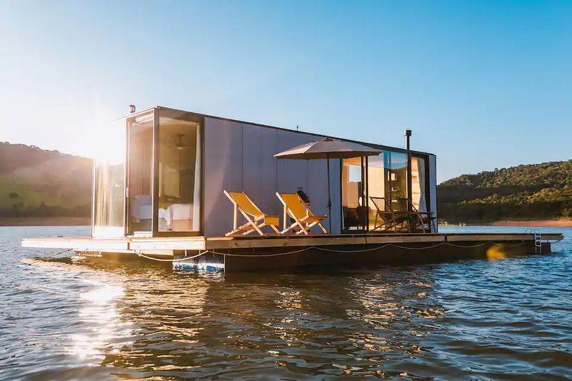2021-01/maison-flottante-bresil-airbnb.jpg