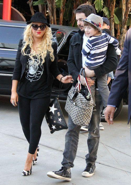 Comment-s'habiller-quand-on-est-ronde-Christina-Aguilera2