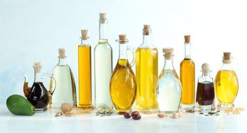 Des huiles d'avocat, de noix, d'olive et de tournesol bonnes pour les cheveux