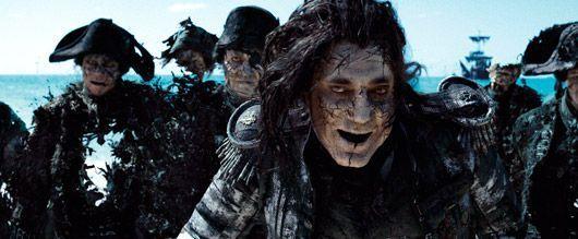 Javier Bardem grimé en Capitaine Salazar dans Pirate des Caraïbes 5.