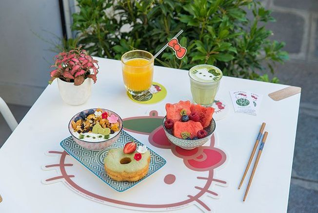 Umami Matcha Café : un café aux couleurs d'Hello Kitty à Paris !
