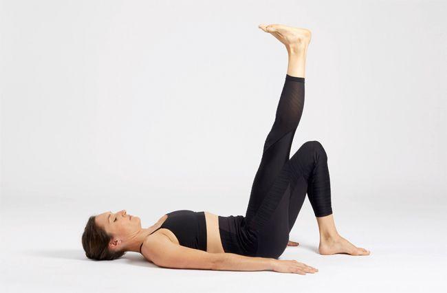 Une posture de yog a pour muscler ses abdominaux.