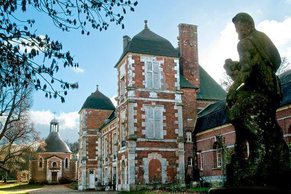 La façade du château de Bonnemare.