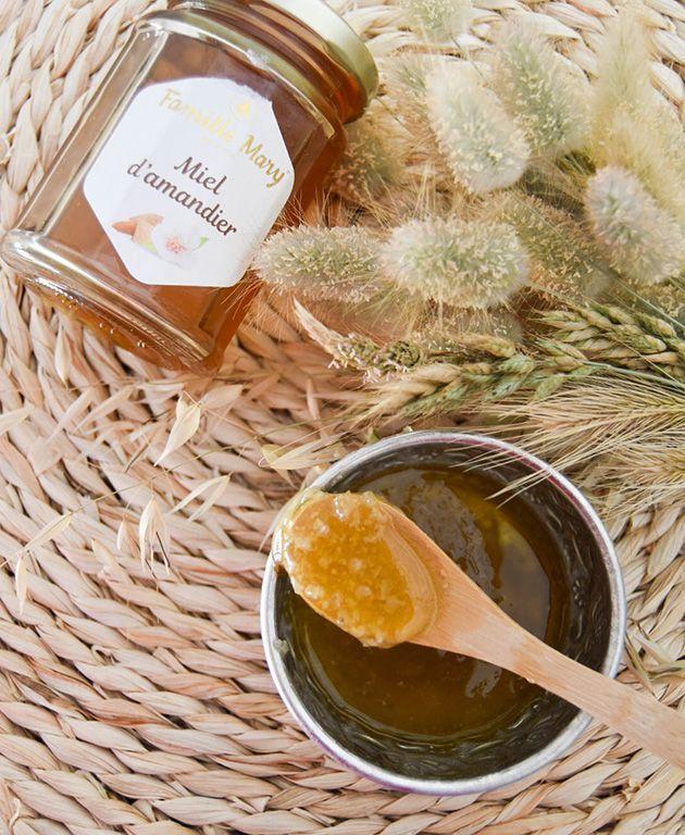 Un gommage DIY au miel