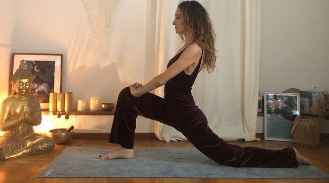 La posture de yoga du dragon spécial ménopause.