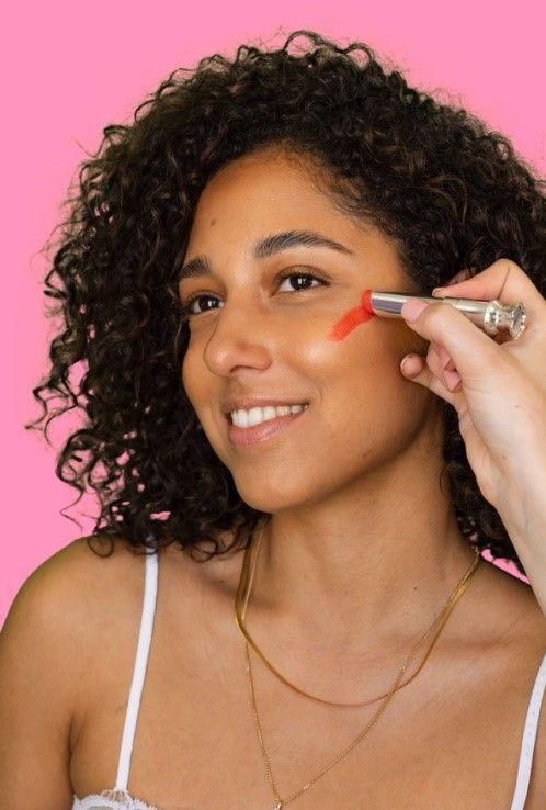 Comment appliquer du blush crème.