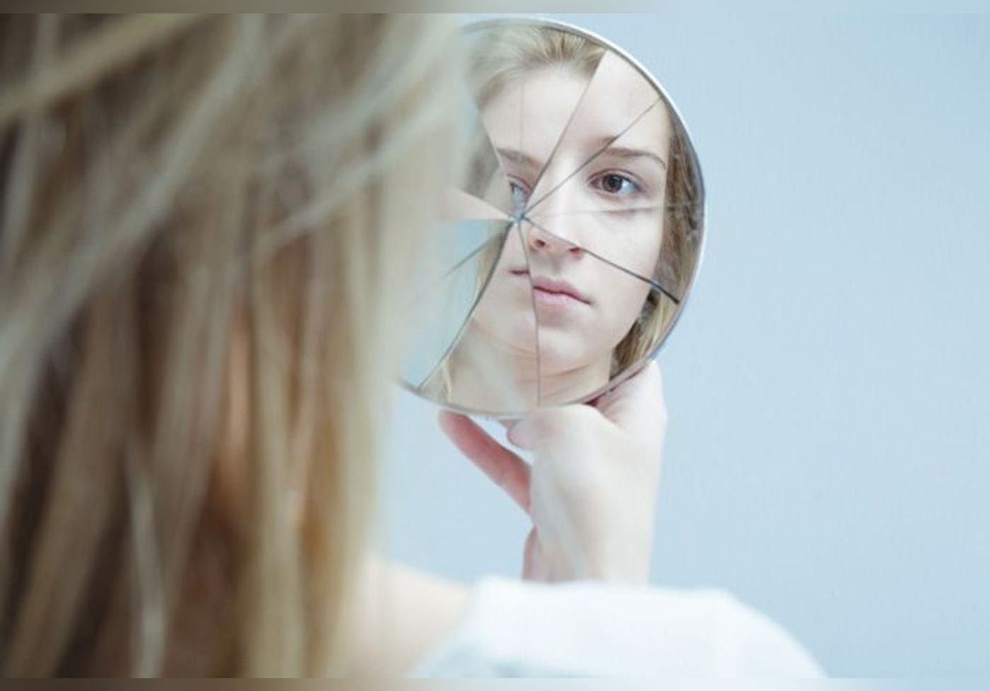 Syndrome de l'imposteur : pourquoi les femmes manquent-elles tant de confiance en elles ?