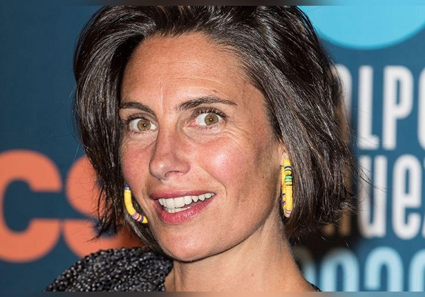 Alessandra Sublet Sans Maquillage Et Sans Son Brushing Elle Decomplexe Les Femmes Avec Un Message Inspirant