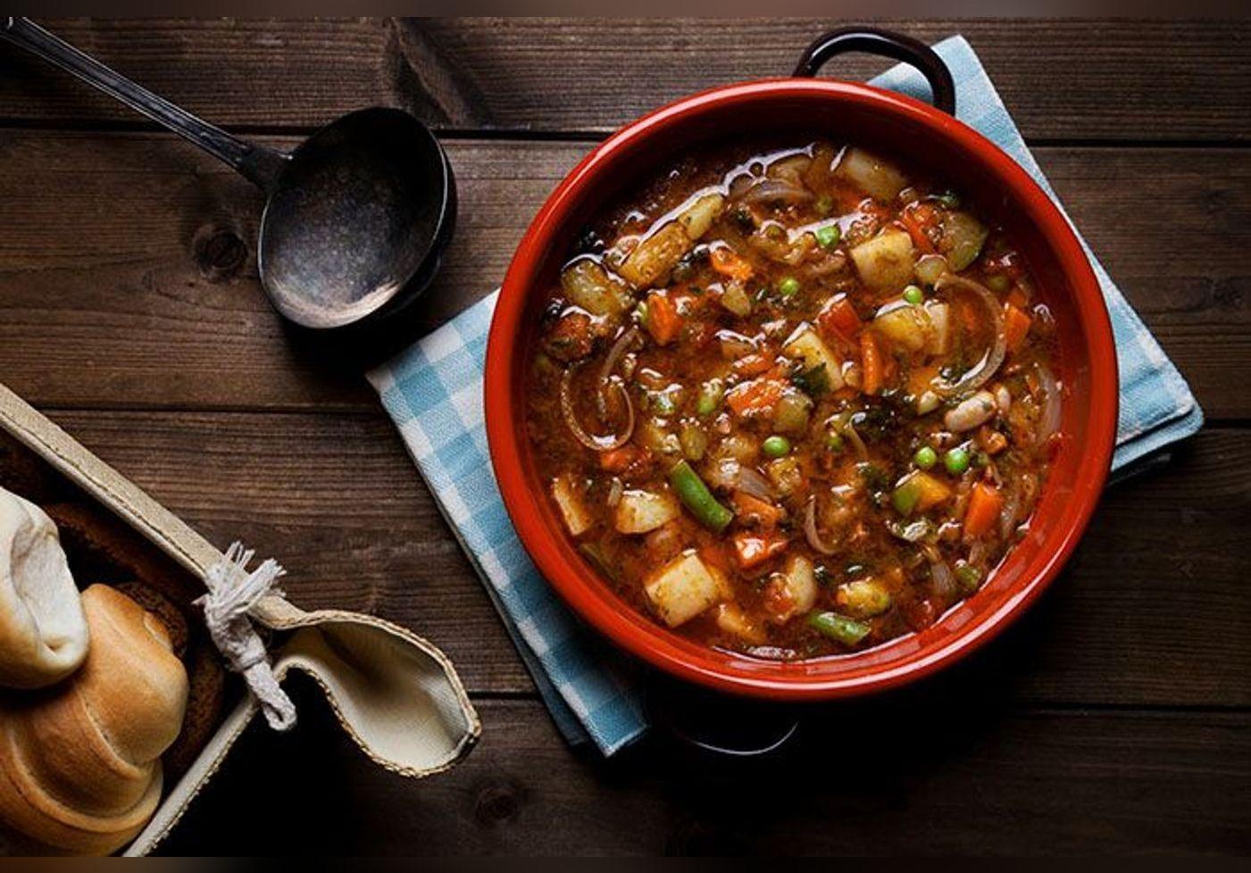 Cyril Lignac dévoile sa recette du minestrone de légumes et nous fait  saliver