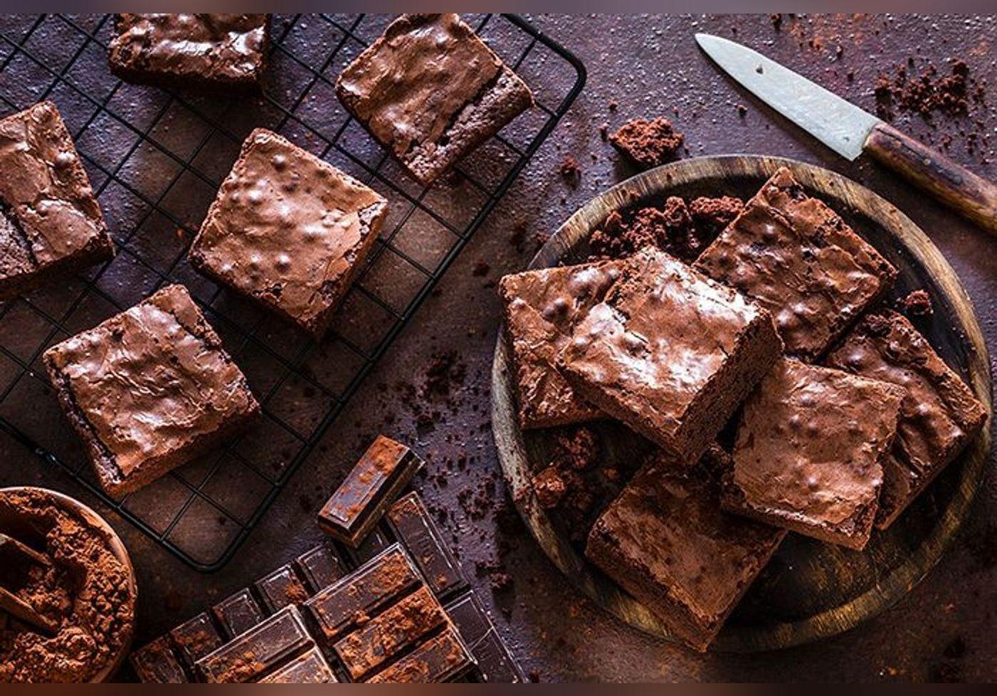 Voici la recette du moelleux au chocolat le plus facile du monde, réalisée avec 5 ingrédients, elle est signée de l'ex-chef de L'Elysée