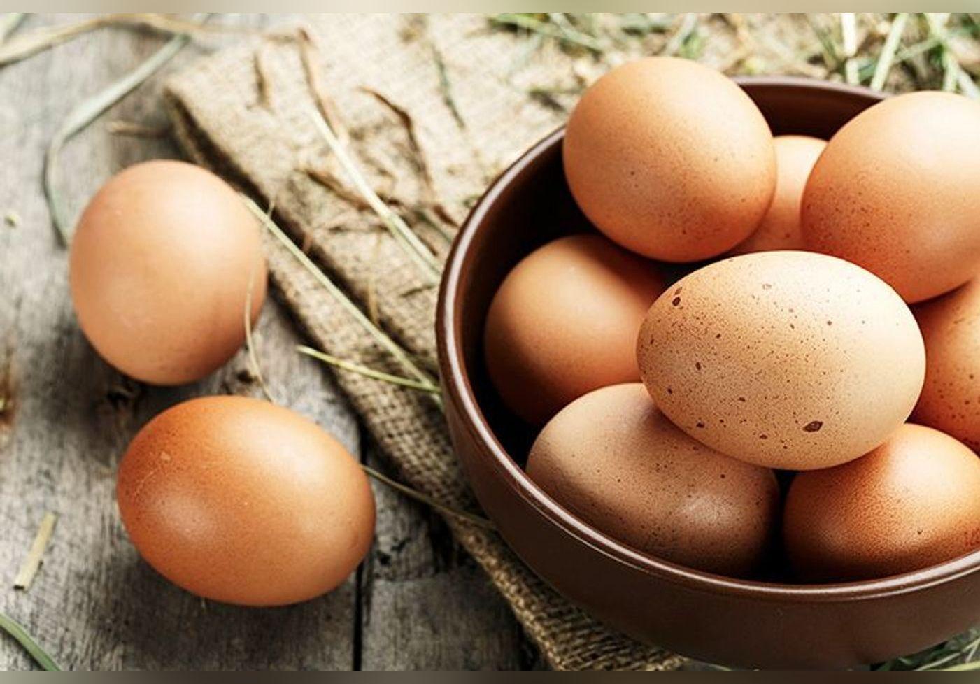 Voici comment Hélène Darroze cuisine l'omelette, riche en vitamines, elle est peu calorique