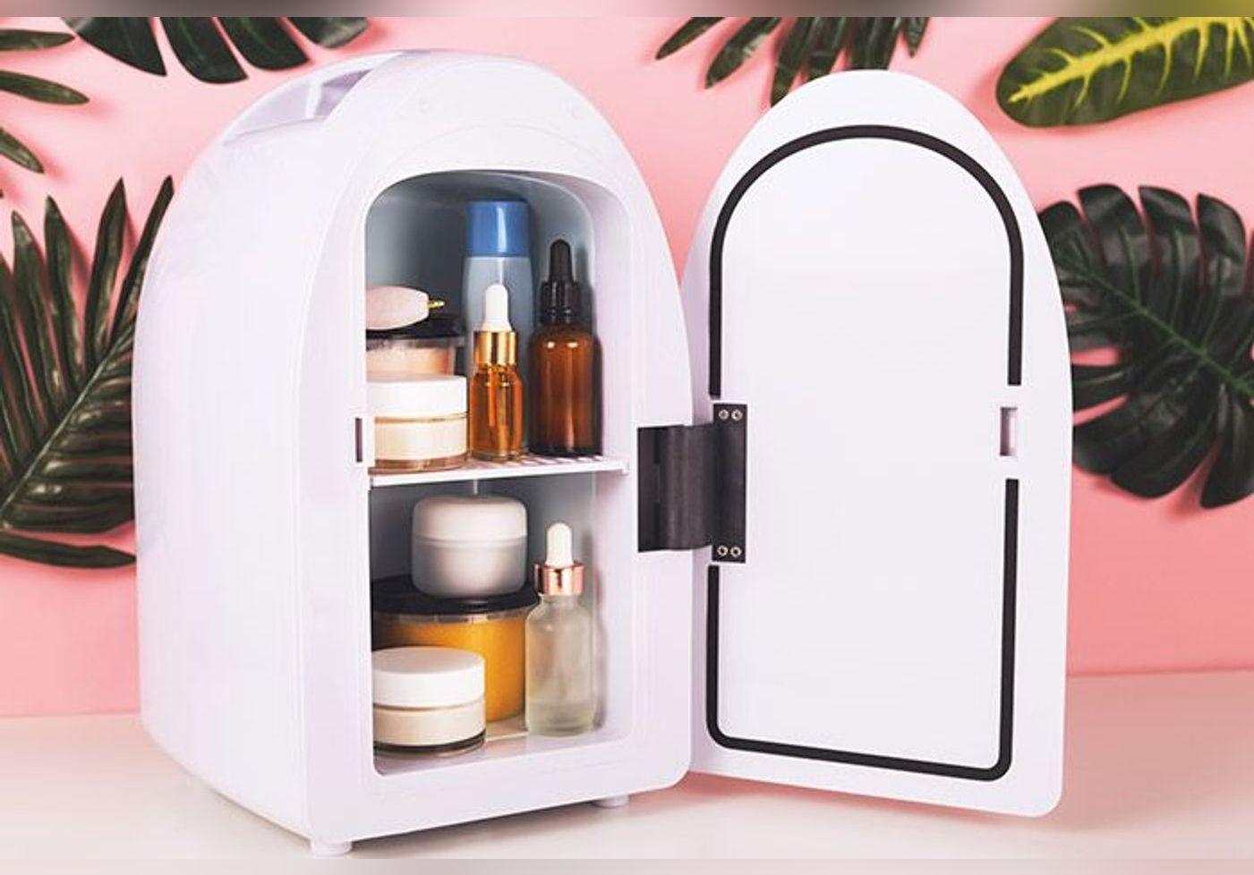 On pense quoi du mini frigo pour ranger ses cosmétiques ?