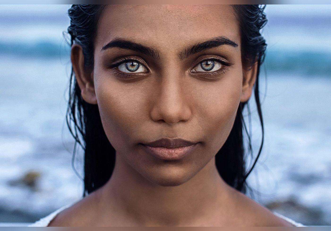 Les yeux ou la bouche, quelle partie du visage attire le plus les hommes et les femmes ?