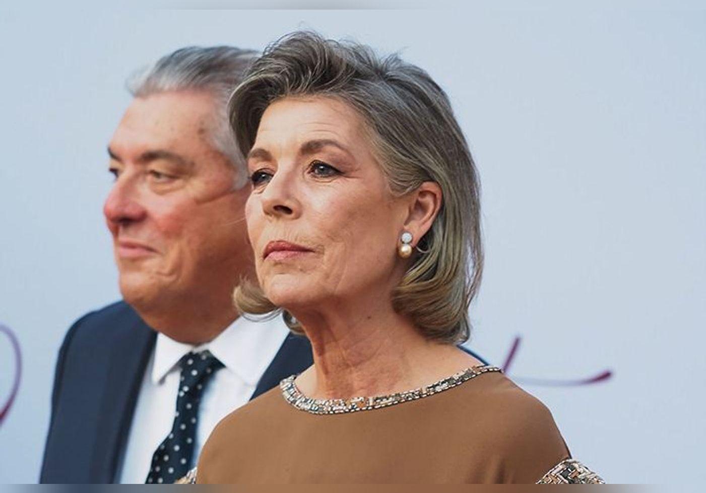 Caroline de Monaco : à 64 ans elle dévoile ses cheveux blancs… La princesse rayonne avec sa coupe au carré au naturel