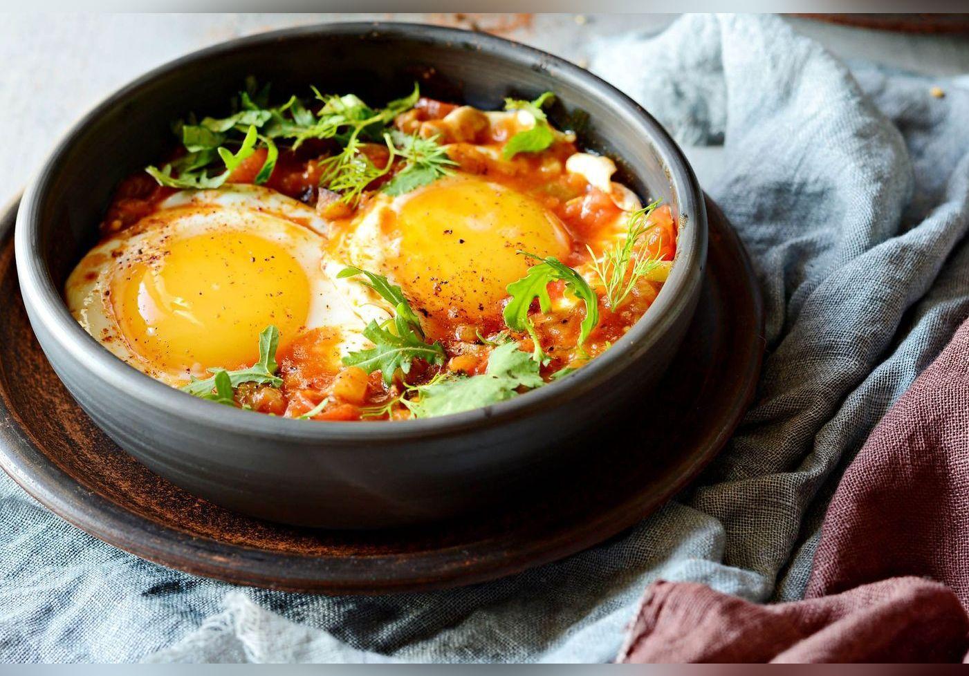 Laurent Mariotte nous fait découvrir son astuce originale pour préparer des œufs. Une cuisson au four aussi simple que savoureuse.