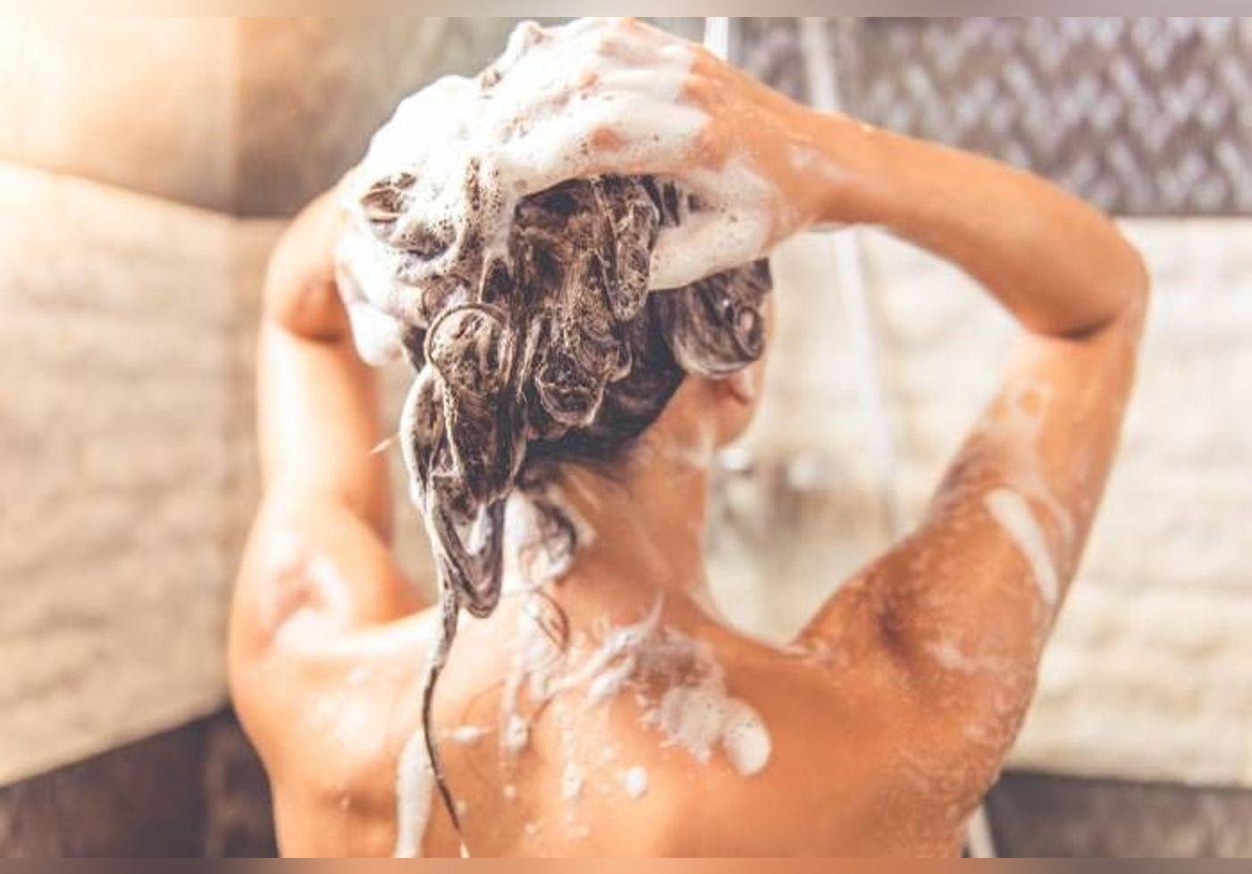 Voici pourquoi il ne faut surtout pas se laver les cheveux le soir