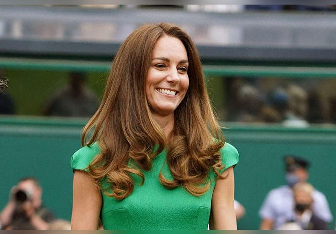 Kate Middleton en mini-jupe de tennis... Elle dévoile ses jambes pour adopter la tendance mode de l'année