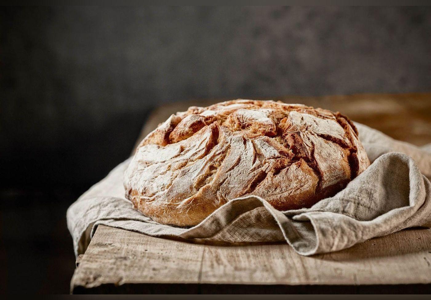 Eric Kayser réalise un pain aux trois céréales, une recette facile et accessible à tous
