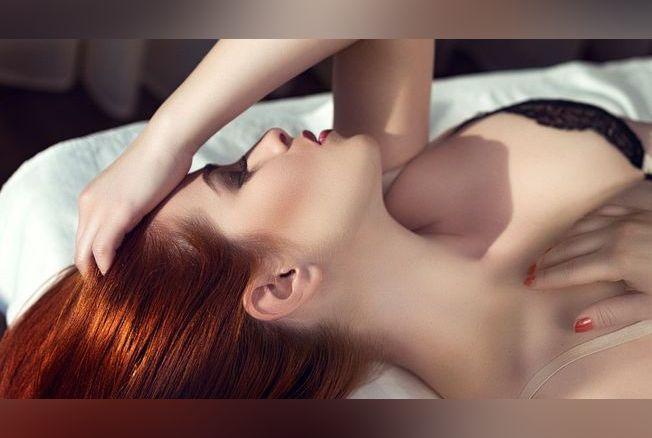 naked hot tattooed females
