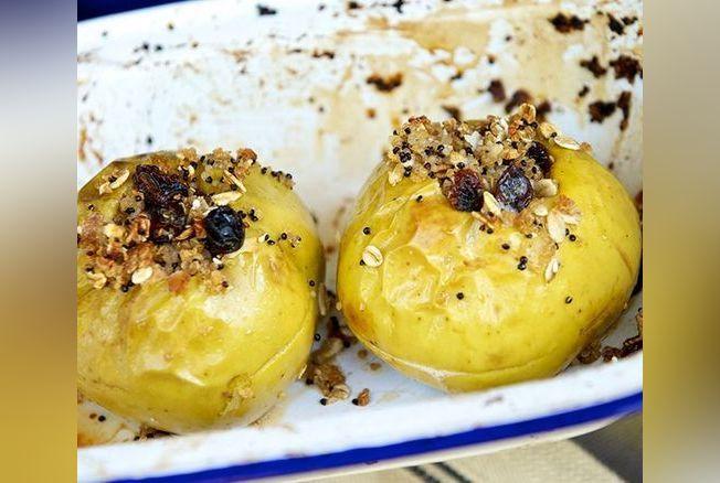 Pommes Cuites Au Four Quinoa Raisins Secs Et Noix Recette Vegan