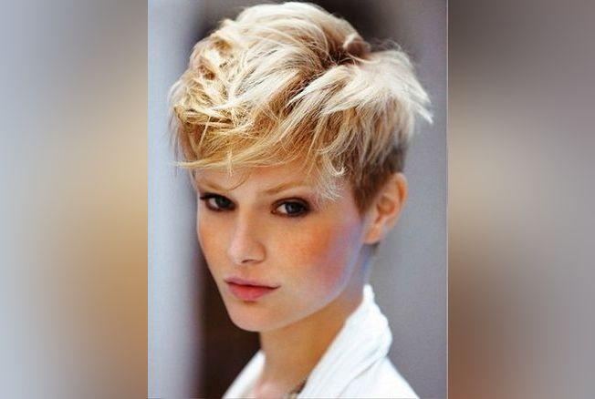 Modeles coiffures courtes ondulees