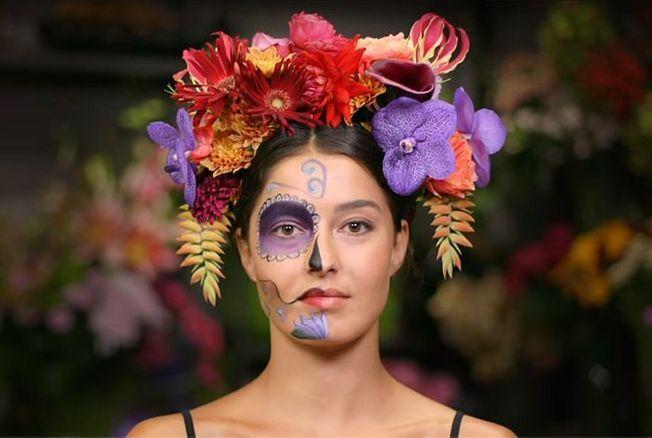 maquillage d 39 halloween le cr ne mexicain fleurs. Black Bedroom Furniture Sets. Home Design Ideas
