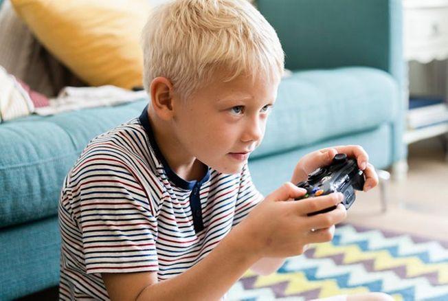 Il est accro aux jeux vidéo ? Des solutions existent