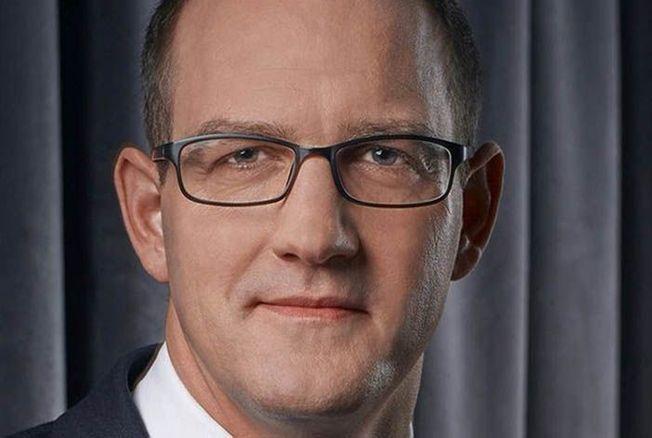 """Droits voisins : Daniel Kretinsky refuse de signer l'accord """"injuste"""" proposé par Google"""