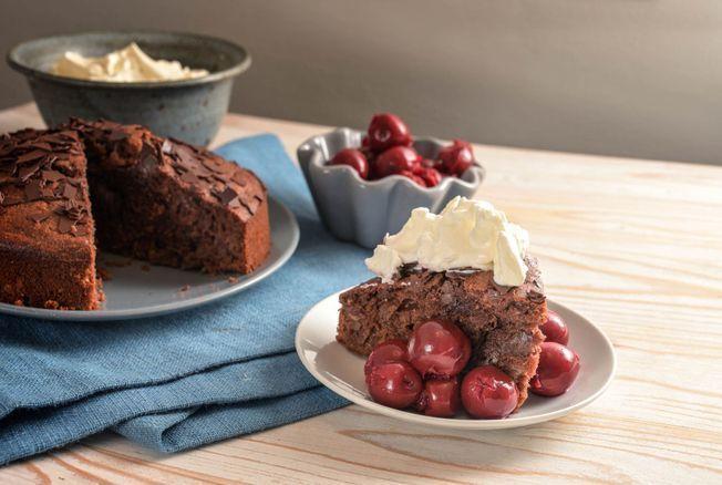 Laurent Mariotte nous régale avec son fondant aux marrons chantilly-griottes. Une recette très simple à réaliser et incroyablement gourmande.